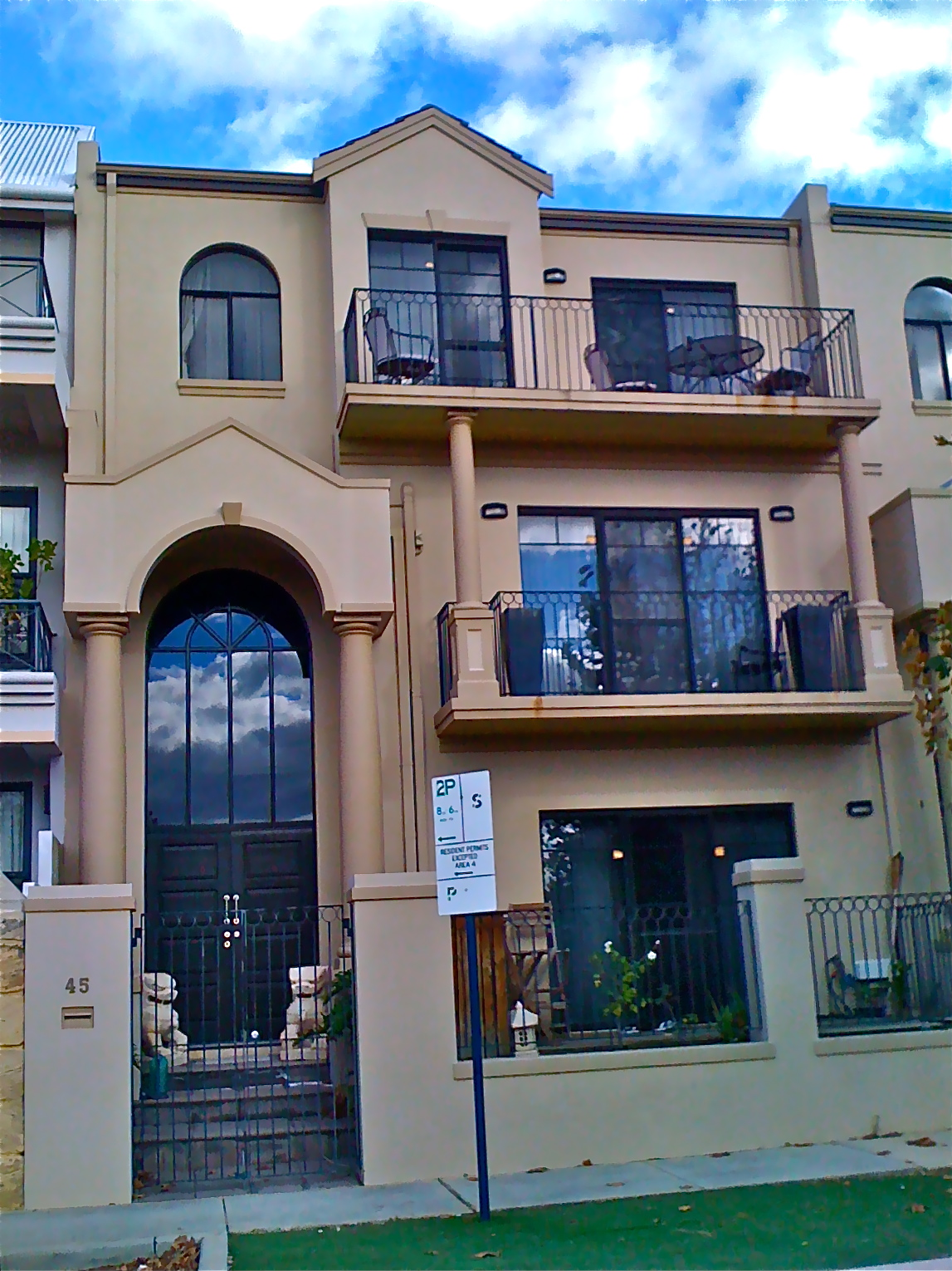 East perth house small block solutions for Houses for small blocks